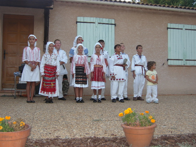 Dansuri folclorice